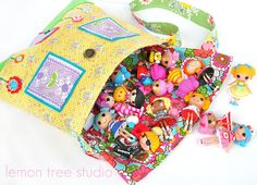 Mini Lalaloopsy!! <3 And the bag is just amazing! <3