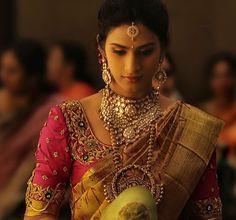 Beautiful blouse work Indian Bridal Hairstyles, Indian Bridal Wear, Indian Wear, Traditional Indian Wedding, Traditional Sarees, Indian Blouse, South Indian Bride, Saree Wedding, Wedding Blouses
