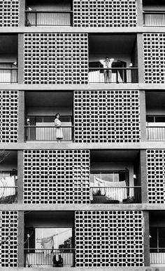 Herbert List VENEZUELA. Caracas. 1957. dwellings. Carlos Guinand & Moisés Benacerraf. Edificio Montserrat. Magnum Photos #streetphotography