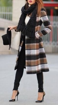 "<a class=""pintag"" href=""/explore/fall/"" title=""#fall explore Pinterest"">#fall</a> <a class=""pintag"" href=""/explore/fashion/"" title=""#fashion explore Pinterest"">#fashion</a> / stripes"