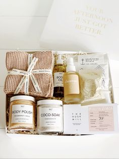 *NEW!* Pampertime - A pamper sesh like no other! Perfectly pink, Natural Products to help you unwind, restore, revitalise and nourish - hello down time!  #birthdaygiftbox #minibox #pampertime #healthygiftbox #christmasgiftbox #christmasgift #giftbox #health #wellness #australia #nourishing #desertblush #diaryfreegiftbox #byrondreaming