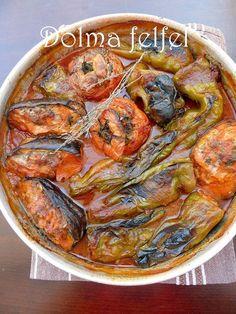 Bonjour , alors un petit partage d'un délicieux plat Algériens Dolma felfel (poivrons) farcie a la viande parfumée au persil et coriandre cuit dans une sauce tomate un régal La sauce tomate : la recette par ici les légumes farcie :(vous choisir les légumes...