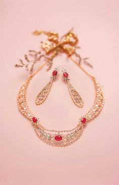 Queen of Hearts by Tanishq - Diamond Jewellery Collections Indian Wedding Jewelry, Indian Jewelry, Bridal Jewelry, Gold Jewelry, Tanishq Jewellery, Diamond Jewellery, Diamond Necklace Set, Gold Necklace, Weird Jewelry
