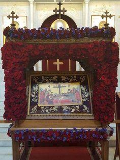 Flower Decorations, Church Decorations, Orthodox Easter, Church Flowers, White Flowers, Floral Arrangements, Catholic, Floral Design, Greek
