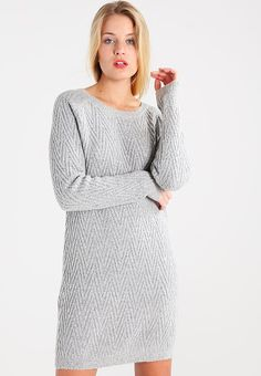 Trop jolie robe d'hiver en 38 :D Sweaters, Dresses, Winter, Christmas, Style, Fashion, Gray, Trending Fashion, Sweater Dress Outfit