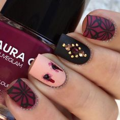 """""""Bitten Sexy, vampy, gory: all my favorite things ✨ Products used: Burgundy: @lauragpolish """"Madrid"""" ️Nude: @lauragpolish """"Iced Late"""" Black:…"""""""