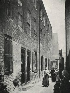 Jack London, photographer: Scenes of East End, London in 1903 Victorian Street, Victorian Life, Victorian London, Vintage London, Old London, London History, British History, Aragon, London City