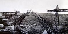 1884 Chantier de construction du Viaduc de Garabit, la plus belle réalisation de Gustave Eiffel