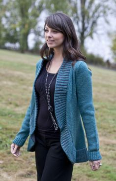 Free Cascade Pacific Brioche Collar Cardigan Pattern / I like the color! / * find someone to make it for me