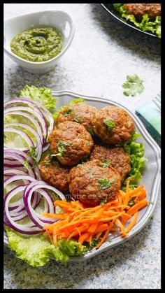 Step-by-step recipe with pictures to make galouti kebab. How to makechicken galouti kebab. Pictorial recipe to make Lucknowi galawat ke kabab. Seekh Kebab Recipes, Indian Food Recipes, Ethnic Recipes, Indian Snacks, Masala Recipe, Samosa Recipe, Masala Spice, Tacos And Burritos, Tandoori Chicken