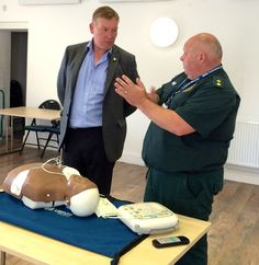 MP visits civic centre to support defibrillator training http://www.keighleynews.co.uk/news/14666689.Keighley_MP_visits_civic_centre_to_support_defibrillator_training/ #firstaid