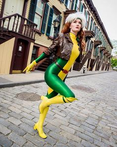 Old rogue cosplay...wow, this is so cool >_<