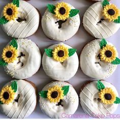 You do things… Sunflower Birthday Parties, Sunflower Party, Sunflower Cakes, Sunflower Baby Showers, Sweet 16 Parties, Party Treats, Dessert Table, First Birthdays, Wedding Cakes