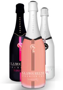 """Champagne Glamoureuse Rosé    Le Brut Rosé Premier Cru """"habille ses fines bulles d'un fourreau saumoné pâle.    Plein d'élégance et de sensualité, ce champagne allie la fraîcheur du chardonnay (60 %) et la complexité du pinot noir (dont 10 % vinifié en rouge).    Arômes de cerise et de cassis lui donnent un croquant charmeur."""