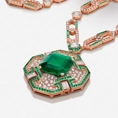 Cinemagia High Jewelry sautoir in rose gold set with a large octagonal emerald, emeralds and diamonds. Girls Jewelry, High Jewelry, Pearl Jewelry, Diamond Jewelry, Antique Jewelry, Gemstone Jewelry, Women Jewelry, Jewelry Branding, Branded Jewellery