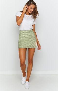 Beautiful Legs, Most Beautiful, Short Skirts, Mini Skirts, Beach Tan, Tights, Tees, Casual, T Shirts