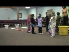 ▶ Noodle Balance - preschool fitness games! - YouTube