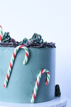 #Christmascakedesign    #photography  #cakephotography Instagram- @whippedbyhelen💚