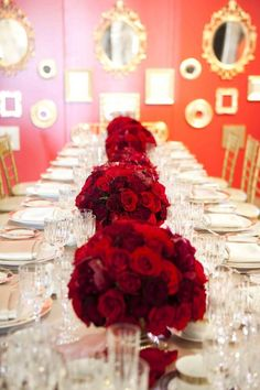 image of Red Wedding Tablescapes ♥ Red Christmas Tablescapes Christmas Tablescapes, Christmas Table Decorations, Wedding Decorations, Christmas Themes, Red Wedding, Wedding Table, Wedding Flowers, Wedding Receptions, Glamorous Wedding