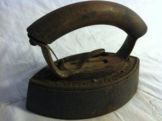 Very Old Metal Iron by Redstone2020 on Etsy, $16.95 Irons, Antiques, Unique Jewelry, Metal, Laundry Room, Handmade Gifts, Beautiful, Vintage, Space