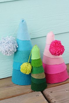 Felt Christmas Trees by ohsohappytogether, via Flickr
