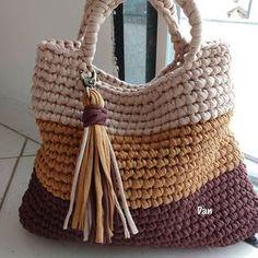 Totally handmade crochet tote bag with short or long knitte Crochet Scrubbies, Bag Crochet, Crochet Handbags, Crochet Purses, Crochet Crafts, Crochet Stitches, Crochet Pattern, Knit Bag, Crochet Purse Patterns