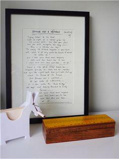 Ein gerahmter Brief. | 26 Geschenke mit großer Bedeutung, die Du Deinen Kindern machen kannst