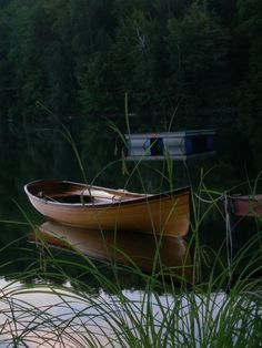 This is one good looking wooden boat!