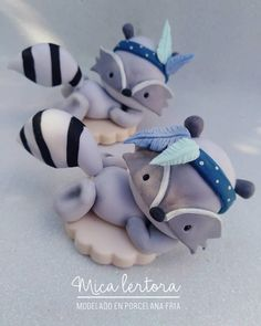 Fondant Figures, Clay Figures, Making Fondant, Woodland Cake, Fun Party Themes, Animal Cakes, Biscuit, Cute Clay, Flower Cookies