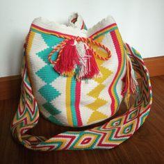 Beautiful summer bag - Wayuu mochila from Colombia