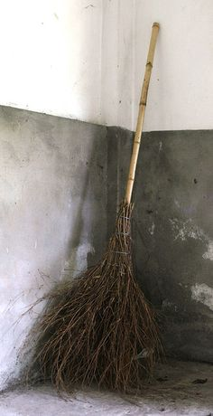 We saw handmade brooms like this all over China. Kind of makes it seem ridiculous to buy a broom. Holidays Halloween, Halloween Crafts, Happy Halloween, Halloween Decorations, Halloween Party, Haunted Halloween, Halloween 2019, Halloween Masks, Halloween Makeup