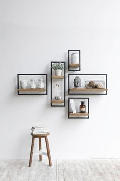 Old wood Now available - Mobel Diy - Wohnen - Shelves in Bedroom Diy Wall Decor, Diy Home Decor, Small Wall Decor, Accent Wall Decor, Creative Wall Decor, Frame Wall Decor, Office Wall Decor, Sweet Home, Diy Casa