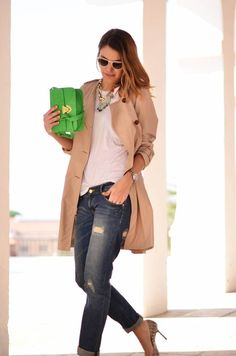 Dressing up distressed boyfriend jeans. (stylelovely.com)