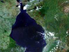 El Lago de Maracaibo, el más grande de América Latina. Lake Maracaibo, the largest in Latin America.