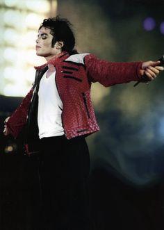 Michael Jackson - Dangerous Tour - Beat It