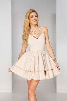 Sukienka na wesele? Zapoznaj się z ofertą dostępną na stronie i wybierz coś na tę specjalną okazję! Laksa, Dresses, Fashion, Vestidos, Moda, Fashion Styles, Dress, Dressers, Fashion Illustrations