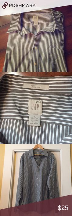 "Gap | Men's Fitted Shirt Gray and blue pinstriped button down, gently used, no damage. One front pocket. 17-17.5"" neck size. GAP Shirts Dress Shirts"
