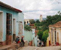Avec son architecture coloniale, sa Plaza Mayor, ses façades colorées, et ses magnifiques plages, Trinidad est un véritable incontournable à Cuba !