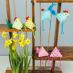 Sewing office: Funny sewing ideas for Easter with instructions and raffle! You are in the right place about DIY Fabric Flowers satin Here we offer you the most beautiful pictures about the DIY Fabric Making Fabric Flowers, Flower Making, Burning Flowers, Diy And Crafts, Crafts For Kids, Fabric Flower Brooch, Coq, Sewing Toys, Crochet Flowers