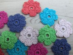 Chrochet, Knit Crochet, Rum, Crochet Decoration, Flower Making, Crochet Flowers, Diy And Crafts, Crochet Necklace, Projects To Try