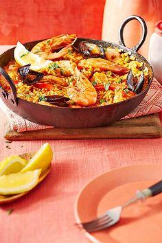 Rafis Fisch Paella mit Garnelen und Muscheln