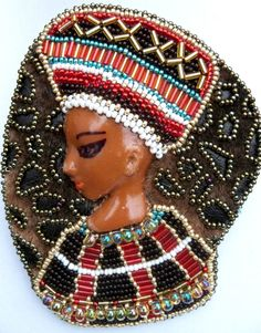 RED GOLD TURQUOISE BROWN AFRICAN QUEEN FACE HAND BEADED PIN BROOCH APPLIQUE