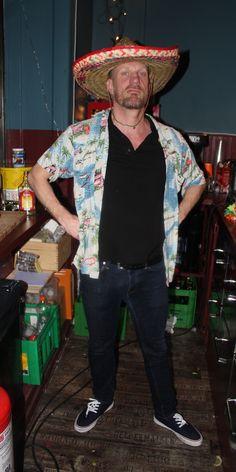 Hola mexico Olau's chef - afsnit 3 #sjithappens Skjorte: Prag T-shirt: H&M Sko: H&M