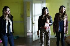 Pin for Later: The Killer Outfits on Pretty Little Liars Will Haunt You All Week Long Season 4