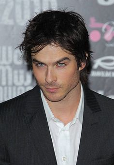 Ian Somerhalder looks drunk here. Is there pictures of him drunk?
