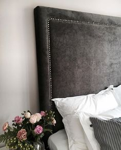 Distinctive Yet Superb Diy Headboard Ideas To Make A Bed More Appealing - Diyever Beautiful Bedroom Designs, Beautiful Bedrooms, Headboard Designs, Headboard Ideas, Home Bedroom, Bedroom Decor, Diy Headboards, How To Make Bed, Fashion Room