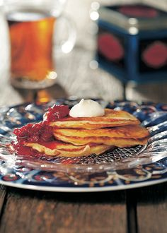 Syrnikit ja vadelmahilloke Pancakes, Goodies, Food And Drink, Baking, Breakfast, Ethnic Recipes, Sweet Like Candy, Morning Coffee, Crepes