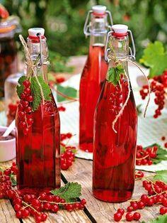 Colorful Fruit, Colorful Garden, Fresh Fruit, Love Garden, Red Green Yellow, Fruit In Season, Floral Theme, Pink Grapefruit, Drink