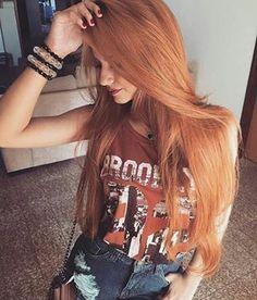 E mesmo assim sempre tem algum desavisado que pergunta se a cor do seu cabelo vermelho é natural.   19 verdades que toda ruiva de farmácia conhece bem