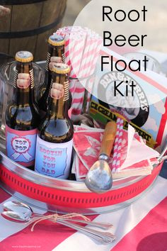 FREE printable labels to make your own Root Beer Float Kit! This would make the perfect Father's Day gift!